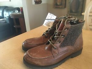 Brand new Levi's men's leather boots