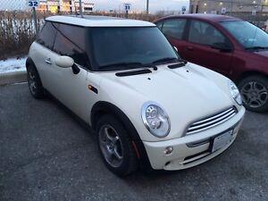 2005 Mini Cooper white automatic