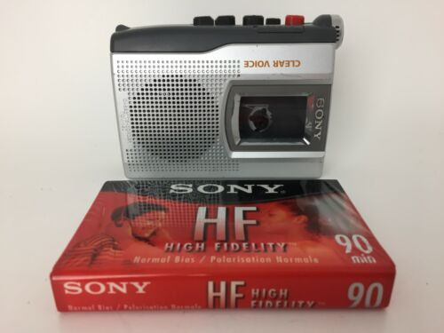 SONY Clear Voice Cassette Corder Personal Recorder TCM-150 Dictaphone & Cassette
