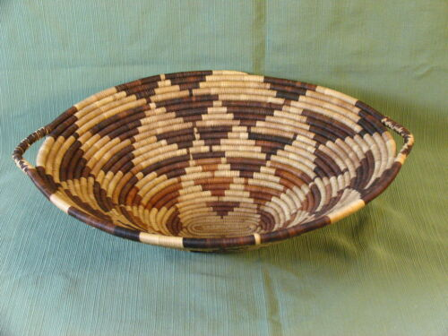 African Botswana Stunning Large Oval Grass Basket with Handles
