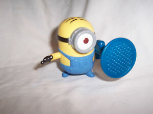 NIP-Despicable-Me-2-STUART-Minion-w-BLASTER-2013-McDonalds-Toy-5235