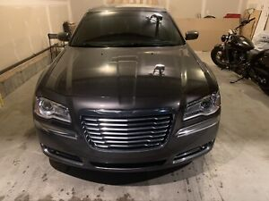 2013 Chrysler 300RWD touring 52000kms only