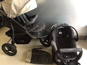 AS NEW BRITAX Safe N Sound Unity Capsule + STEELCRAFT STROLLER Southport Gold Coast City Preview