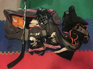 Used complete hockey gear 7 year old