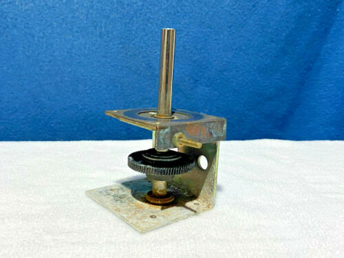 Federal Signal Model 14 Beacon - Main Gear Assembly - Contact Plate - Gear Box