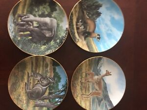 8 Decorative Plates  LAST OF THEIR KIND  THE ENDANGERED SPECIES