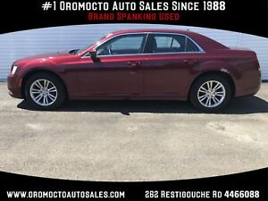 2017 Chrysler 300 Touring Moonroof,Heated Leather Seats,Remot...