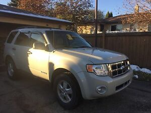 2008 FORD ESCAPE  (AWD, 2.3 lts and 4 Cyl)