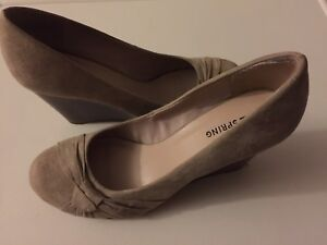 Chaussures neuves taille 8.5