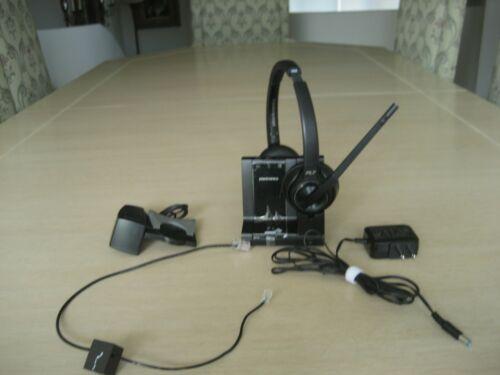 Plantronics SAVI 8220 w/W8200B Base, AC Adapter, Phone Cable & HL10 Lifter
