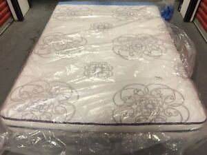 Queen Size —- SIMMONS BEAUTY REST — $250
