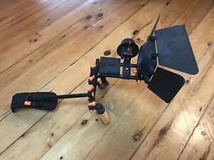 Shoulder rig with mattebox and follow focus