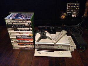 XBOX 360 SUPER BUNDLE (21 GAMES) KINECT, 120 GIG HARDDRIVE, ETC