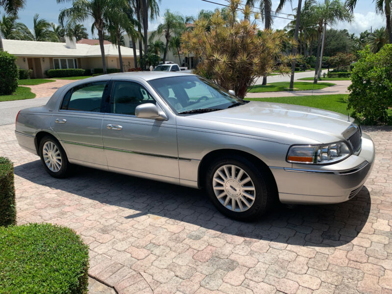 Lincoln Town Car 2004 For Sale Exterior Color Silver Birch