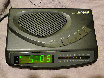 Rare Casio RT-90 FM AM Clock Radio 115/230 AC Volts Switchable