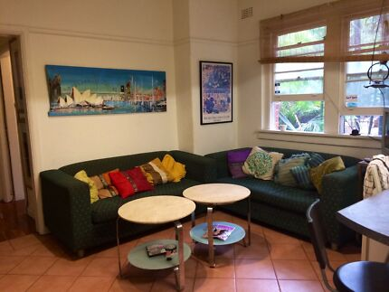 Bondi Beach.3 FRIENDS wanted for ROOM in Furnished 2 bedroom apt Bondi Beach Eastern Suburbs Preview