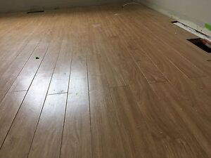 140 square feet laminate flooring