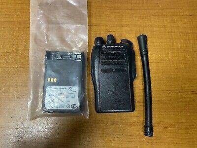 Motorola Ex500 Vhf Radio 136-174 Mhz 5w Two Way With Battery Aah38kdc9aa3an