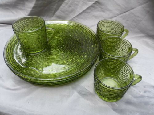 Vintage 8 Piece Anchor Hocking Avocado Green SORENO Snack Plate & Cup  4 each