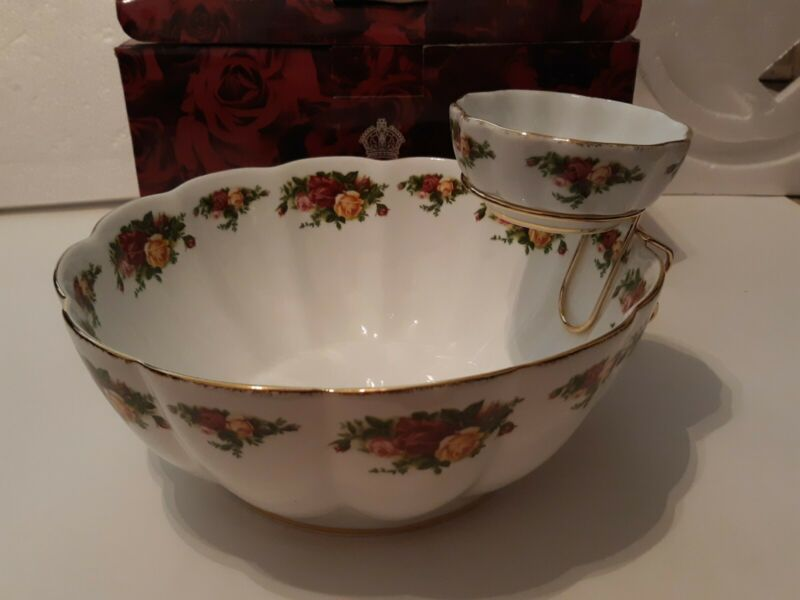 "Royal Albert Old Country Roses 9.5"" Porcelain Fluted Dip Serving Bowl Punch Bowl"