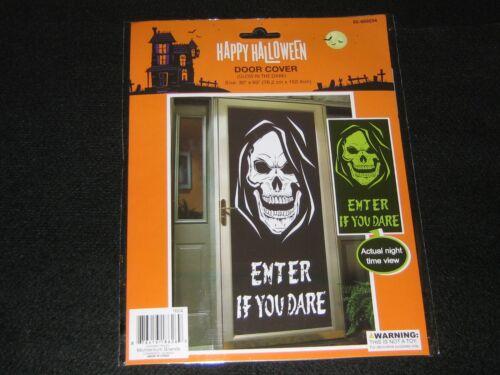 """2 Skull Halloween Door Covers Decorations 60""""x30"""" Plastic Sheeting"""