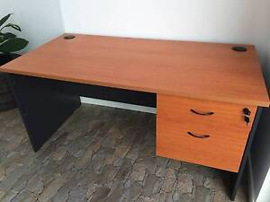 Desk in very good condition Castle Hill Townsville City Preview