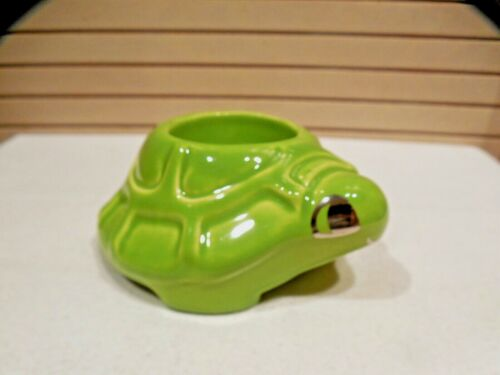 VINTAGE HONITON POTTERY GREEN TURTLE EGG CUP