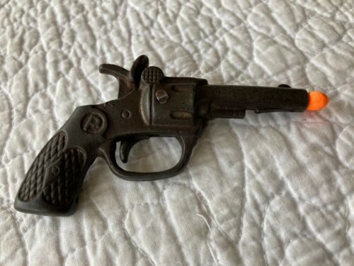 """Vintage US Cast Iron """" P """" Toy Cap Gun Single Action Revolver Pistol Stevens 30s"""