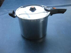 PRESSURE COOKER BUFFALO 8 L & BUFFALO WATER FILTER Westminster Stirling Area Preview