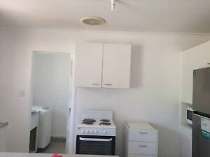 Room for rent - 5 mins Walk to Ashmore Tafe