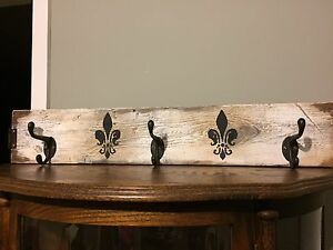 BARNBOARD COAT RACK