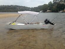 Manta craft 12ft flat bottom boat and Mercury motor Engadine Sutherland Area Preview