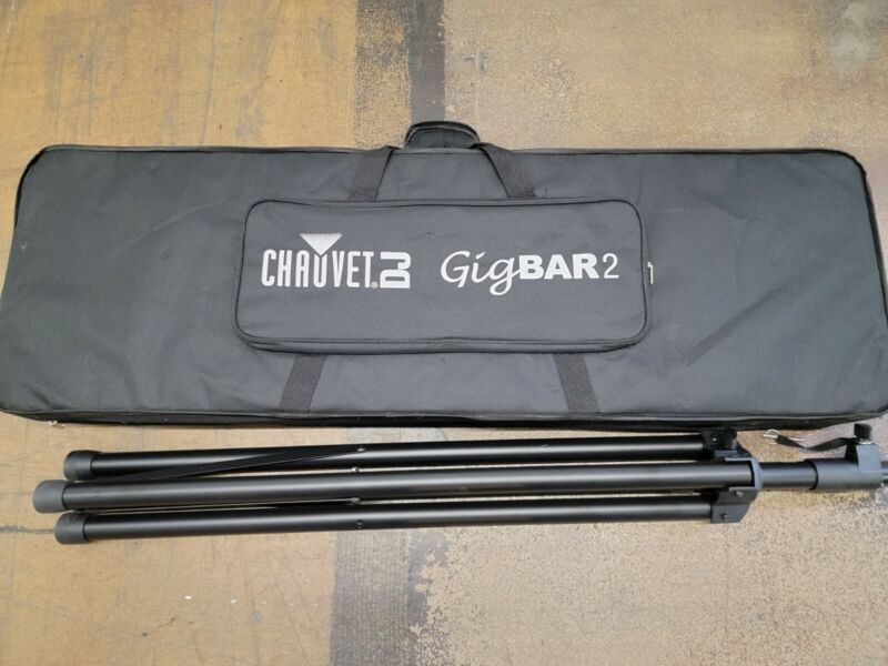 Chauvet DJ GigBAR 2 Lighting Effect Package with Remote Footswitch Bag. Used.