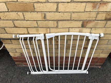 Excellent baby gate