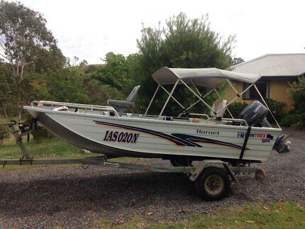 Quintrex Hornet aluminium boat, Yamaha 25hp on Dunbier trailer. Reg.