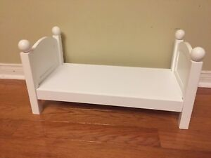 """Maplelea doll bed ( good for 18"""")"""