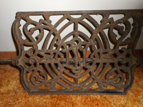 ANTIQUE VINTAGE DOMESTIC CAST IRON TREADLE FOOT PEDAL WITH ROD