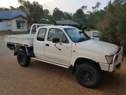 Hilux extra cab LN172R