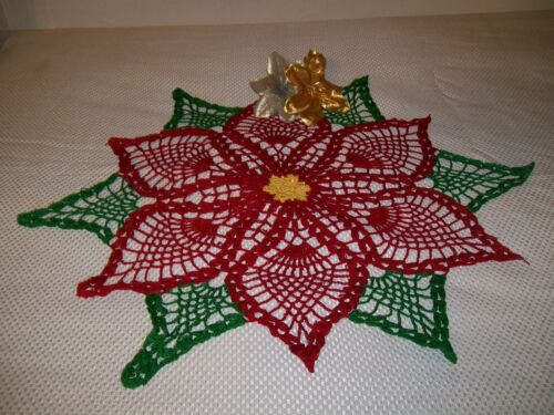 POINCETTA  FOR CHRISTMAS DOILY