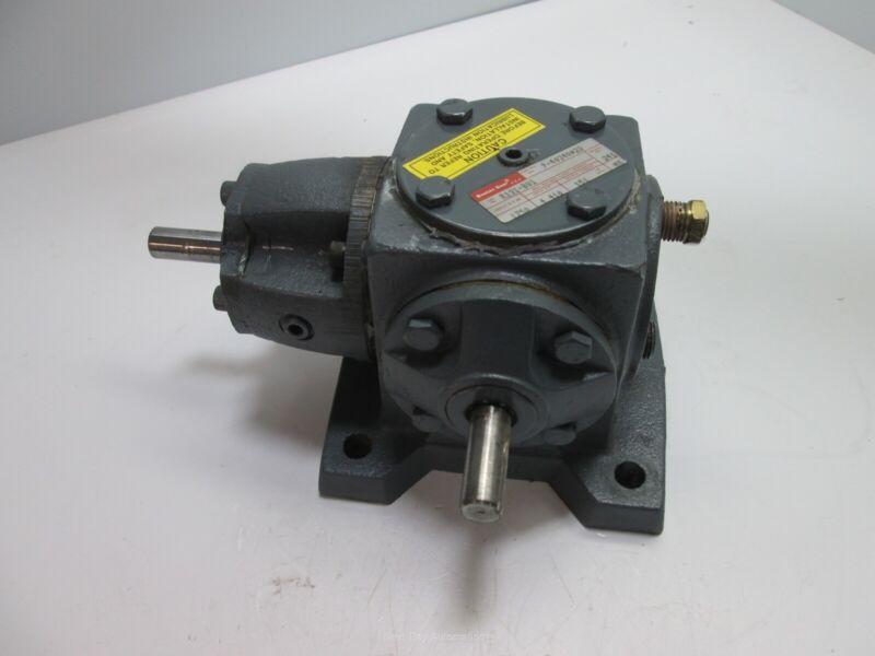 Boston Gear R131-BV1 Spiral Bevel Gear Drive, 1:1 Ratio 4.2HP 151 In-Lbs 1750rpm