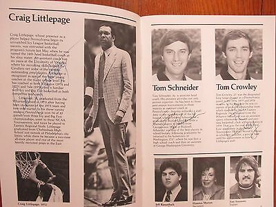 1982 Pennsylvania Men Basketball Guide(17 Signed/CRAIG  LITTLEPAGE/KARL  RACINE)