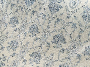 French Provincial Blue Cameo Shabby Chic Double Sided Cotton Quilted Throw Rug