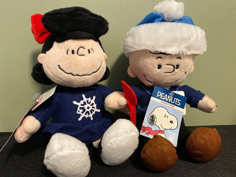 """NEW PEANUTS Plush Charlie Brown & Lucy Plays """"Jingle Bells"""""""