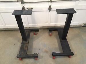 HD stands on casters