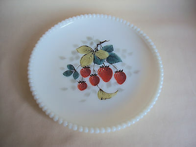 VINTAGE HAND PAINTED HOBNAIL MILK GLASS SALAD PLATE STRAWBERRIES FIGURE 7.25""