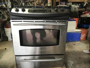Gas stove/convection oven