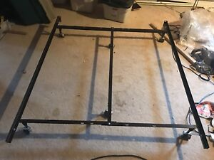 Adjustable twin to double to queen bed frame