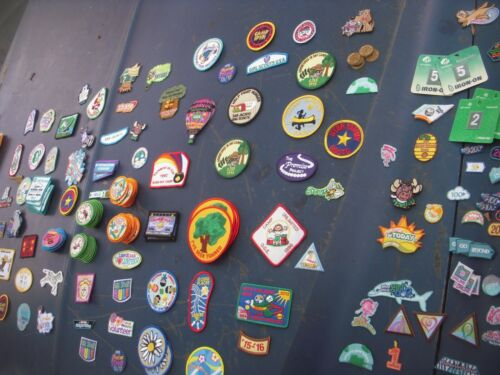 Girl Scout LOT 150+ patch badge vintage 1990s-current resell frame troop