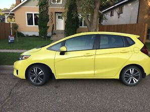 2016 Honda Fit  Low mileage/ kms