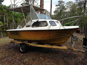 Nautiglass 16ft fibreglass single hull half cabin Eatons Hill Pine Rivers Area Preview
